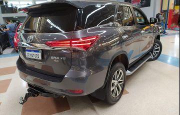 Toyota Hilux Sw4 4.0 Srx 4x4 7 Lugares V6 24v - Foto #3