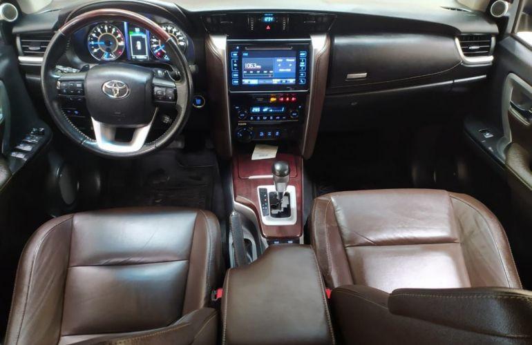 Toyota Hilux Sw4 4.0 Srx 4x4 7 Lugares V6 24v - Foto #5