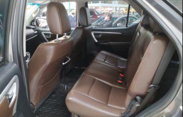 Toyota Hilux Sw4 4.0 Srx 4x4 7 Lugares V6 24v - Foto #10