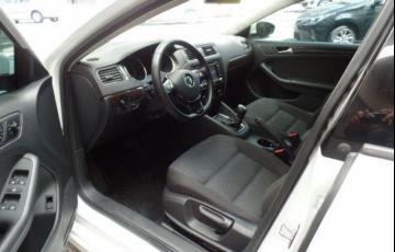 Volkswagen Jetta Comfortline Tiptronic 2.0 Flex - Foto #6