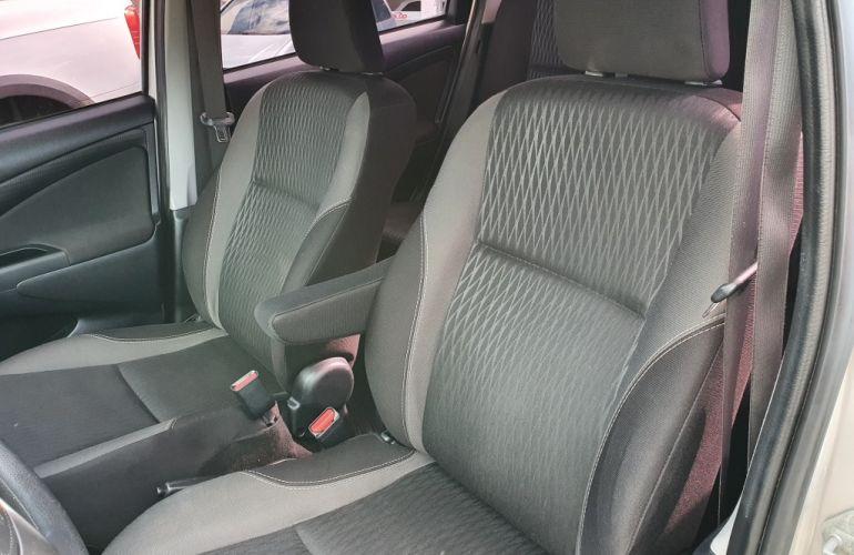 Toyota Etios Sedan XS 1.5 (Flex) (Aut) - Foto #3