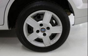 Ford Fiesta Sedan 1.6 MPI 8V Flex - Foto #9