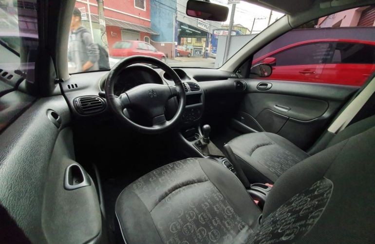 Peugeot 206 1.4 Presence 8v - Foto #8