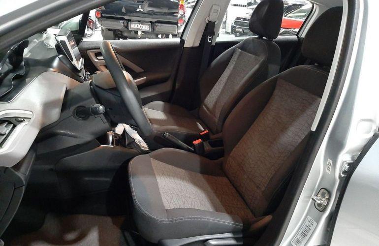 Peugeot 208 1.2 Active 12v - Foto #6