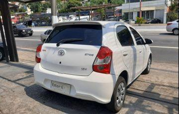 Toyota Etios 1.3 X 16v - Foto #5