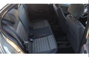Volkswagen Voyage (G6) Comfortline 1.6 (Flex) - Foto #8