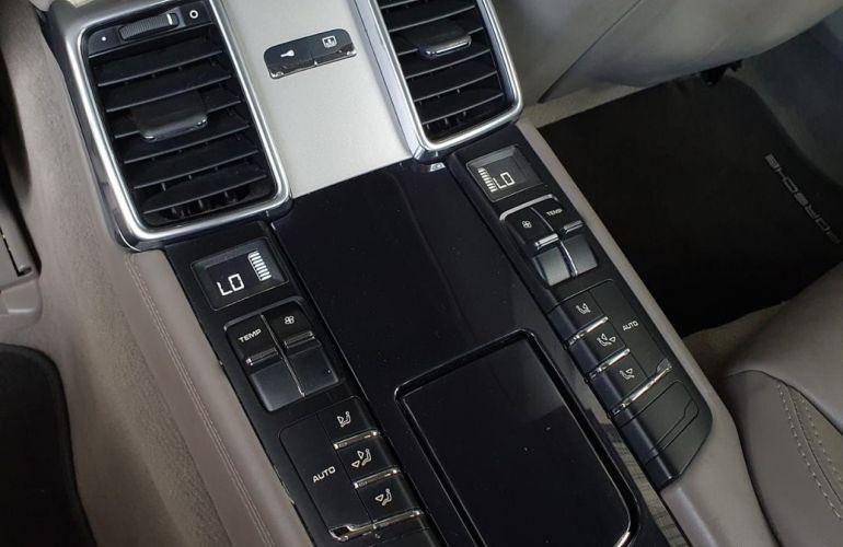 Porsche Panamera 4.8 S V8 - Foto #10