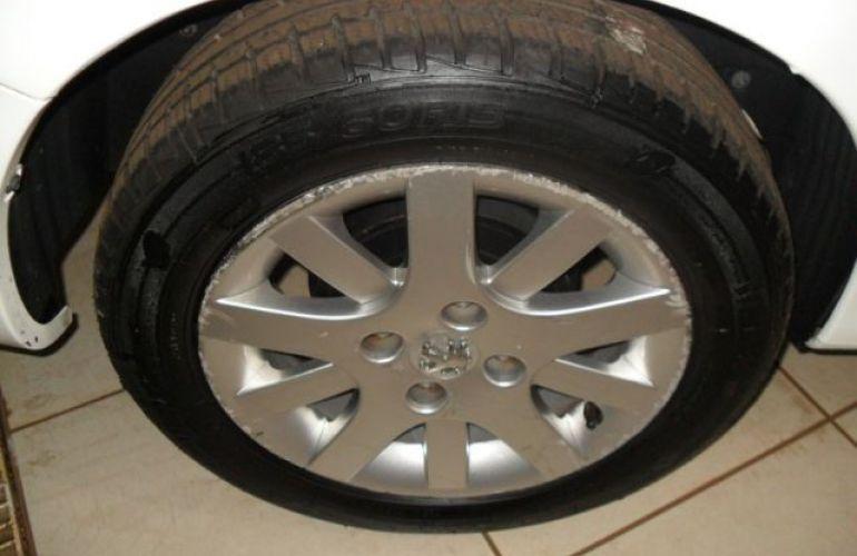 Peugeot 207 Sedan XS Passion 1.6 16V Flex - Foto #8