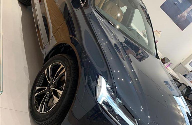 Volvo XC60 2.0 T8 Hybrid Momentum AWD Geartronic - Foto #4