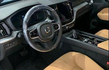 Volvo XC60 2.0 T8 Hybrid Momentum AWD Geartronic - Foto #8