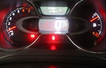 Renault Captur 2.0 16V Intense - Foto #9