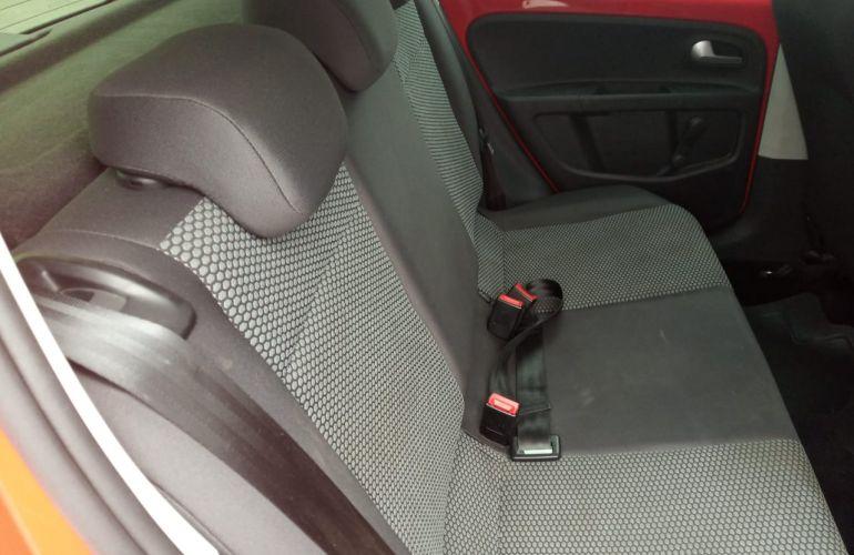 Volkswagen Up! 1.0 12v E-Flex red up! I-Motion - Foto #2