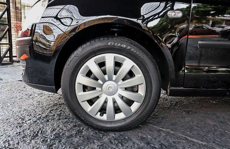 Volkswagen Polo Sedan 1.6 Mi 8v - Foto #8