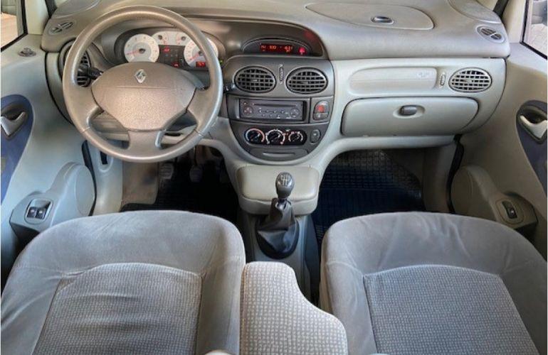 Renault Scénic Privilège 1.6 16V (flex) - Foto #6
