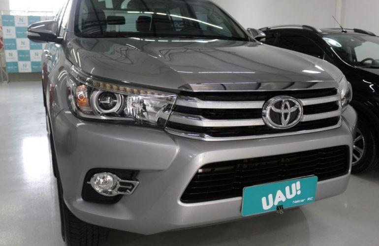 Toyota Hilux Srx 4x4 Cd 2.8  16v Diesel 4p - Foto #2
