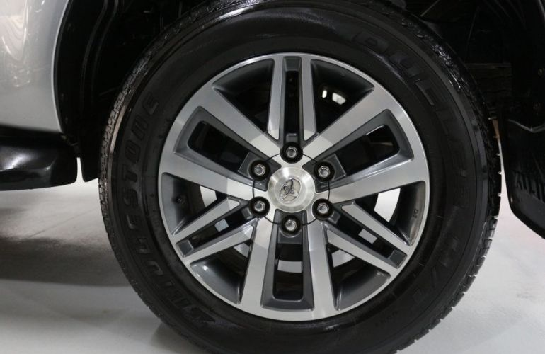 Toyota Hilux Srx 4x4 Cd 2.8  16v Diesel 4p - Foto #7