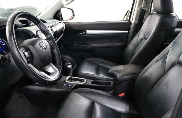 Toyota Hilux Srx 4x4 Cd 2.8  16v Diesel 4p - Foto #8