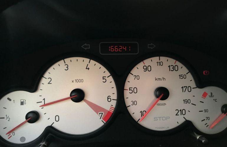 Peugeot 206 1.4 Feline 8v - Foto #5