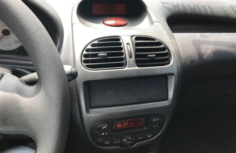 Peugeot 206 1.4 Feline 8v - Foto #7
