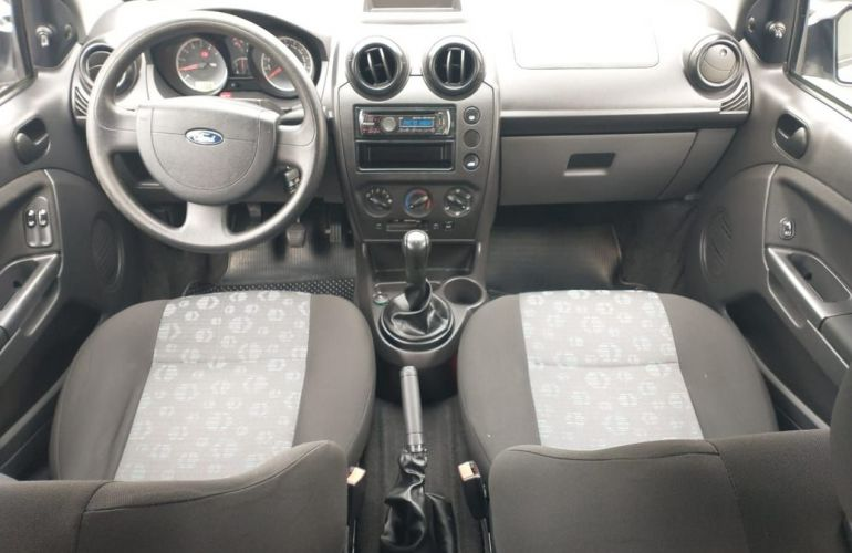 Ford Fiesta 1.0 Rocam SE 8v - Foto #9