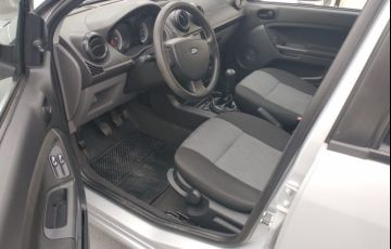 Ford Fiesta 1.0 Rocam SE 8v - Foto #10