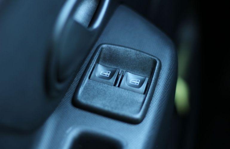 Renault Sandero 1.0 12v Sce Authentique - Foto #7