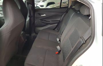 Chevrolet Onix 1.0 LT - Foto #9