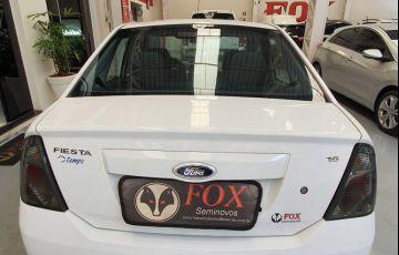 Ford Fiesta 1.6 MPi Sedan 8v - Foto #5