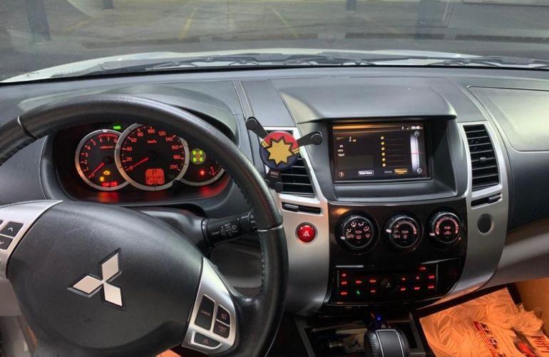 Mitsubishi Pajero 3.5 Hpe 4x4 7 Lugares V6 24v - Foto #3