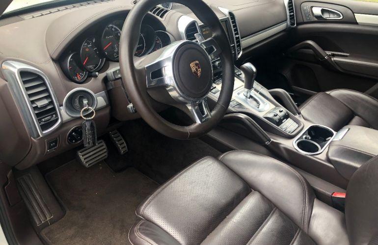 Porsche Cayenne 4.8 4x4 V8 32v Turbo - Foto #8