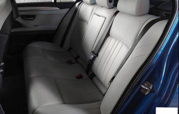 BMW M5 4.4 V8