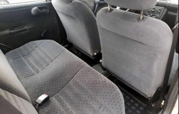 Chevrolet Corsa 1.6 MPFi GLS Sedan 8v - Foto #6