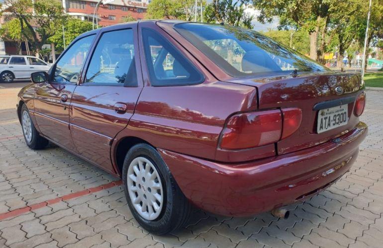 Ford Escort Hatch GLX Full 1.8 MPi 16V - Foto #10