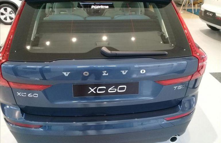 Volvo XC60 2.0 T5 Momentum AWD Geartronic - Foto #5