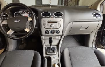 Ford Focus Hatch GLX 2.0 16V (Flex) (Aut) - Foto #5