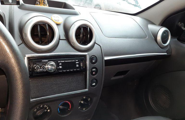 Ford Fiesta Hatch S Plus 1.0 RoCam (Flex) - Foto #3