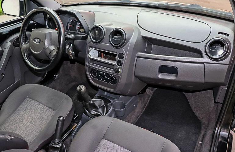 Ford Ka 1.0 MPi 8v - Foto #6