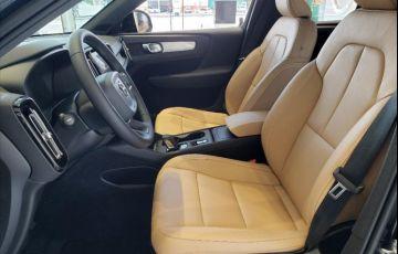 Volvo XC40 2.0 T4 Momentum AWD Geartronic - Foto #8