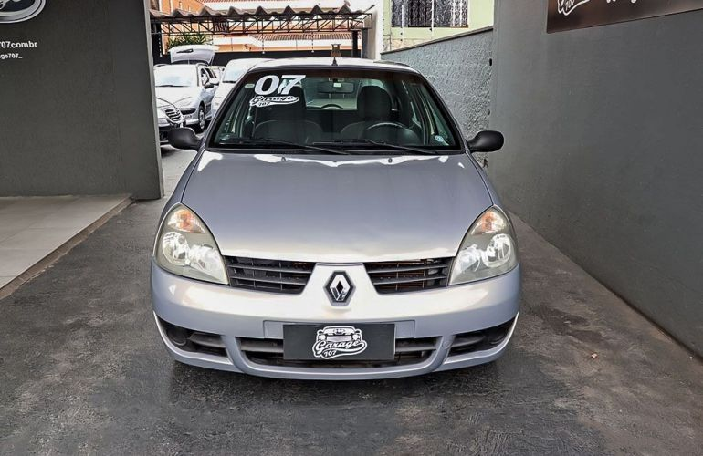 Renault Clio 1.0 Expression 16v - Foto #1