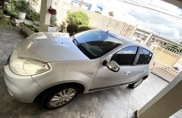Renault Sandero Privilege 1.6 16V (Flex)(aut) - Foto #8