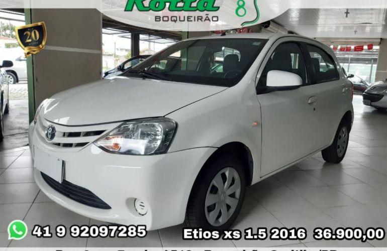 Toyota Etios XS 1.5 16V Flex - Foto #1