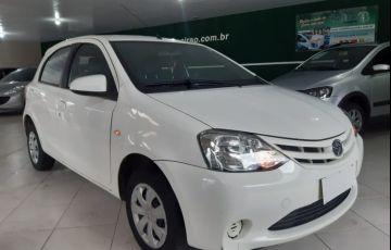 Toyota Etios XS 1.5 16V Flex - Foto #2