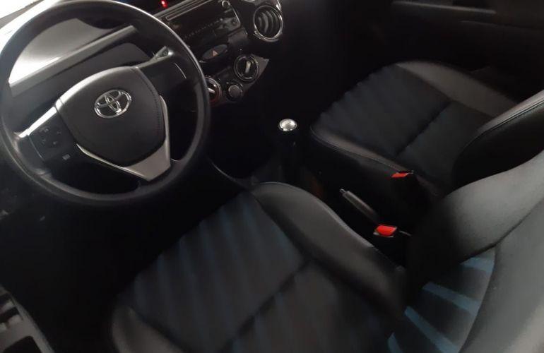 Toyota Etios XS 1.5 16V Flex - Foto #6