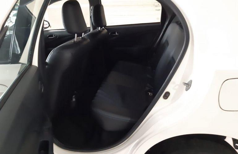 Toyota Etios XS 1.5 16V Flex - Foto #7