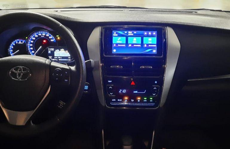 Toyota Yaris Sedan 1.5 XS Connect CVT - Foto #2