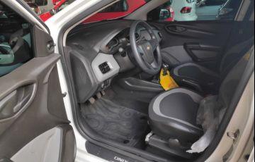 Chevrolet Onix 1.0 LS SPE/4 - Foto #8