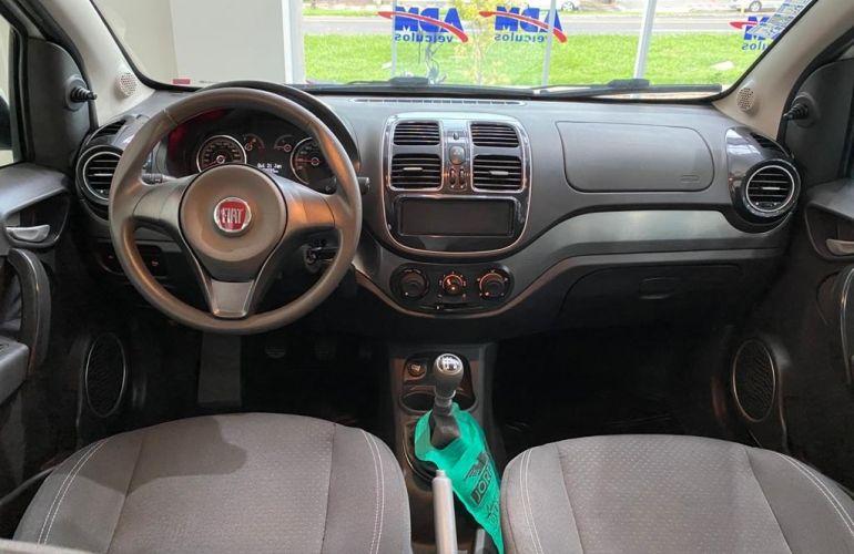 Fiat Grand Siena Attractive 1.4 8V (Flex) - Foto #10