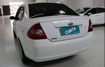 Ford Fiesta Sedan 1.0 MPI 8V Flex - Foto #2