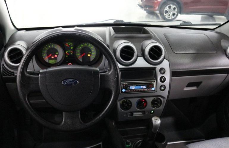 Ford Fiesta Sedan 1.0 MPI 8V Flex - Foto #8