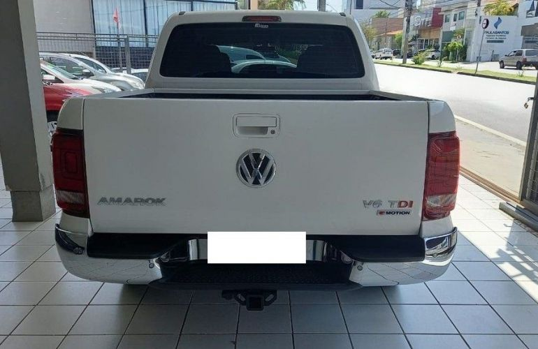 Volkswagen Amarok 3.0 V6 TDi Highline CD 4motion - Foto #5
